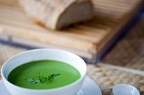 Tasted that in Scotland, great ! Easy and Refreshing Pea and Mint Summer Soup: Pea and Mint soup Recipe