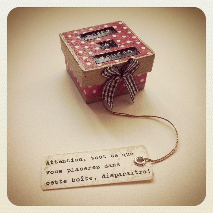 La FABULEUSE Boite à soucis dans la collection des boîtes à bonheur de Graine de Carrosse Nœud Vichy Noir & Blanc