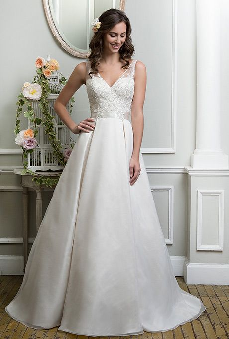 7 best Wedding dresses images on Pinterest | Wedding frocks, Bridal ...