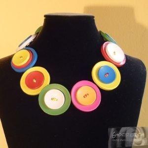 Collana bottoni colorati corta