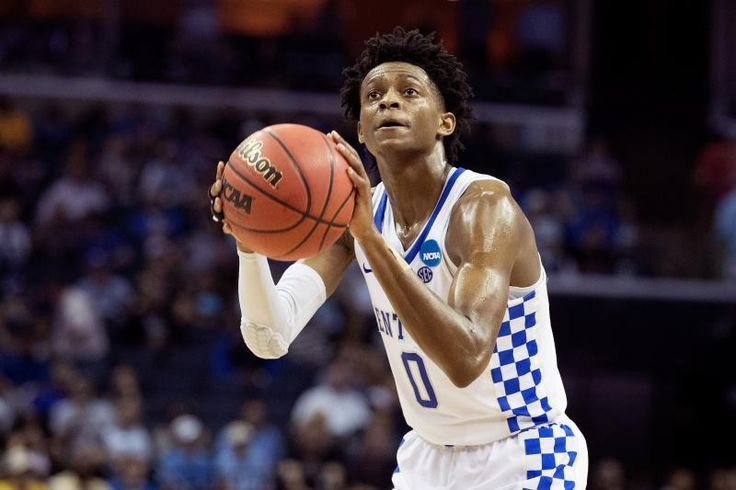 MEMPHIS, TN - MARCH 24:  De'Aaron Fox #0 of the Kentucky Wildcats shoots a free throw against the UCLA Bruins during the 2017 NCAA Men's Basketball Tournament South Regional at FedExForum on March 24, 2017 in Memphis, Tennessee.  (Photo by Andy Lyons/Getty Images)