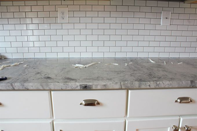 How To Easily Remove Old Caulk Handmade Weekly Caulk How To Remove Caulking Bathroom Caulk