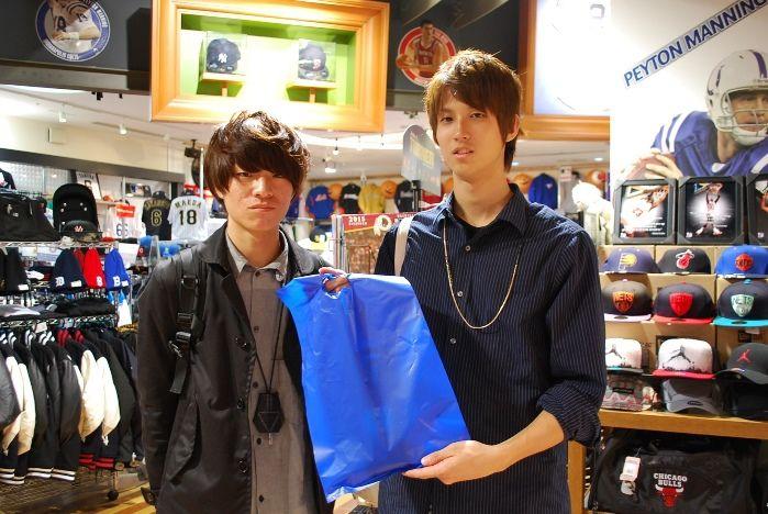 【大阪店】2014.10.28 バスケプレイヤーのお客様です^^ご友人への誕生日プレゼントでソックスをお買い上げいただきました^^まだまだおもしろい商品増えてくるのでまた見に来てくださいね~