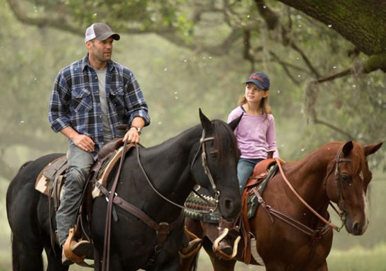 Jason Statham rides a horse in first Homefront photos | Moviepilot: New Stories for Upcoming Movies
