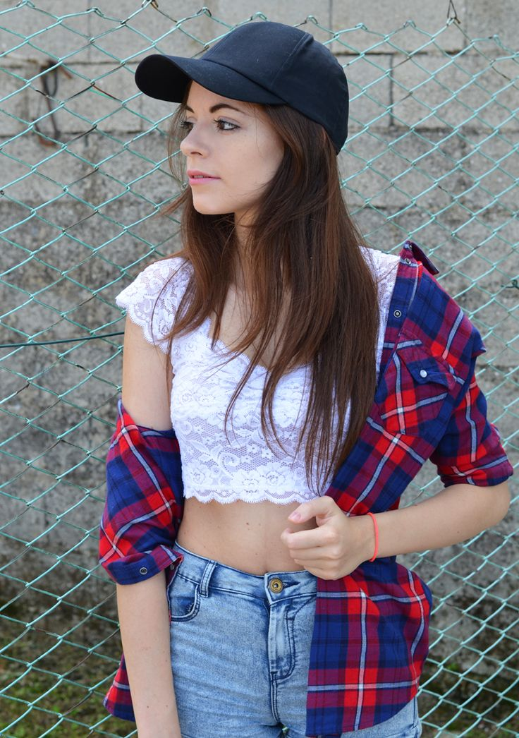 New outfit on the annelicious blog. Lace crop top and a tartan shirt / 8.7.2014