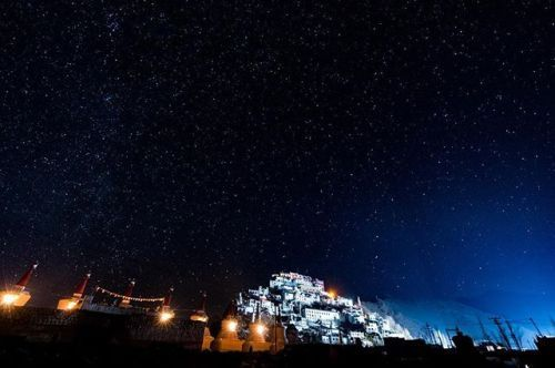 It was a cold -10C night in Leh Ladakh #India but that wasnt going to stop @s.u.n.i.l_d.h.a.r from getting his shot of the Thiksey Monastery. Aside from the temperature challenges he had to find the perfect spot to compose his shot. Although he had an initial photography spot he had to adapt to a change and moved outside of the village he was in. By doing so he was able to capture the monastery and the stupas lit by street lights under a clear star-studded sky making for a magnificent scene…