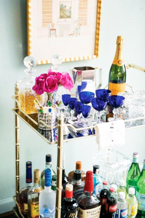 fully stocked bar cart: Interiors Idea, Design Homes, Drinks Carts, Luxury House, Bar Tables, Vintage Bar Carts, Bar Homes, Modern House, Homes Interiors