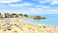 Hot July afternoon on Broadstairs beach