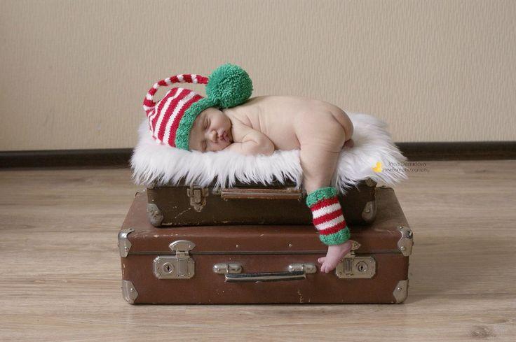 Чудесные рождественские колпачки! Стоимость от 350 р (на новорожденного). Подробности по wats app +7926-556-26-37  #newbornaccessories #newborn #knittingprops #photoprops #newbornphoto #props #newbornprops #best_newborn_photo #knitting #вязание #фотореквизит #аксессуарыдляноворожденных #реквизитдляфотосессии #юлинывязанки #одеждадляноворожденного #фотомалыша #фотографноворожденных #newbornphotographer #фотосессияноворожденных #julyprops #julyaccessories #julyknitting #фотосъемкадетей…