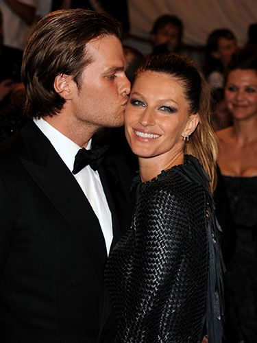 Gisele Bundchen and Tom Brady #love #PDA #cute