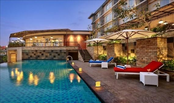OopsnewsHotels - Golden Tulip Essential Denpasar. Golden Tulip Essential Denpasar offers a modern setting while in Denpasar. It also provides a swimming pool, a coffee bar and valet parking.   Golden Tulip Essential Denpasar has 94 rooms that are fitted with all the essentials to ensure an enjoyable stay.