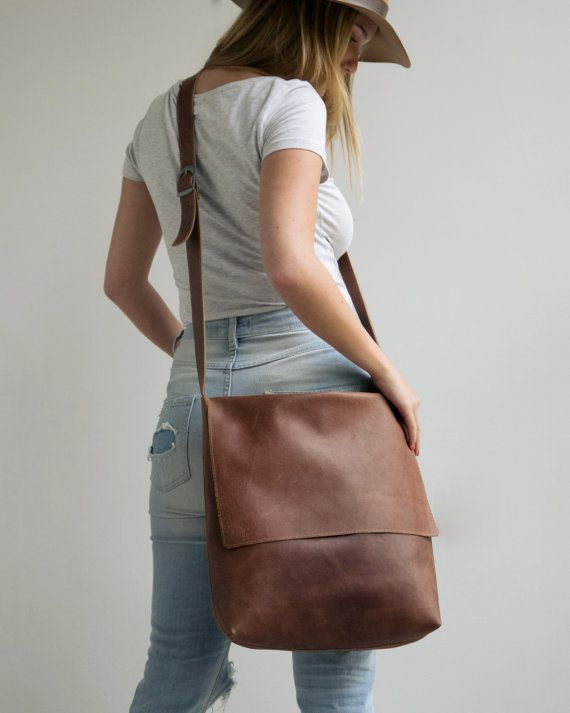 8061740092 Leather Messenger Bag