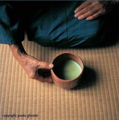 cerimonia del tè scuola urasenke tazza raku copyright paola ghirotti