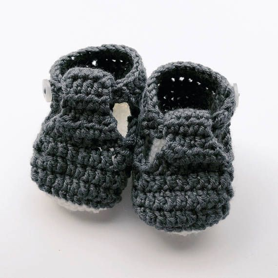 Handmade Baby Booties – Crochet kids shoes – Newborn present - Baby shower gift - unisex kids bootees - gender neutral - summer bright shade