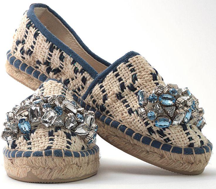 Lontra blu. Espadrillas in handwoven fabric. 100% cotton. Stone pale blue 100 % acrilico.