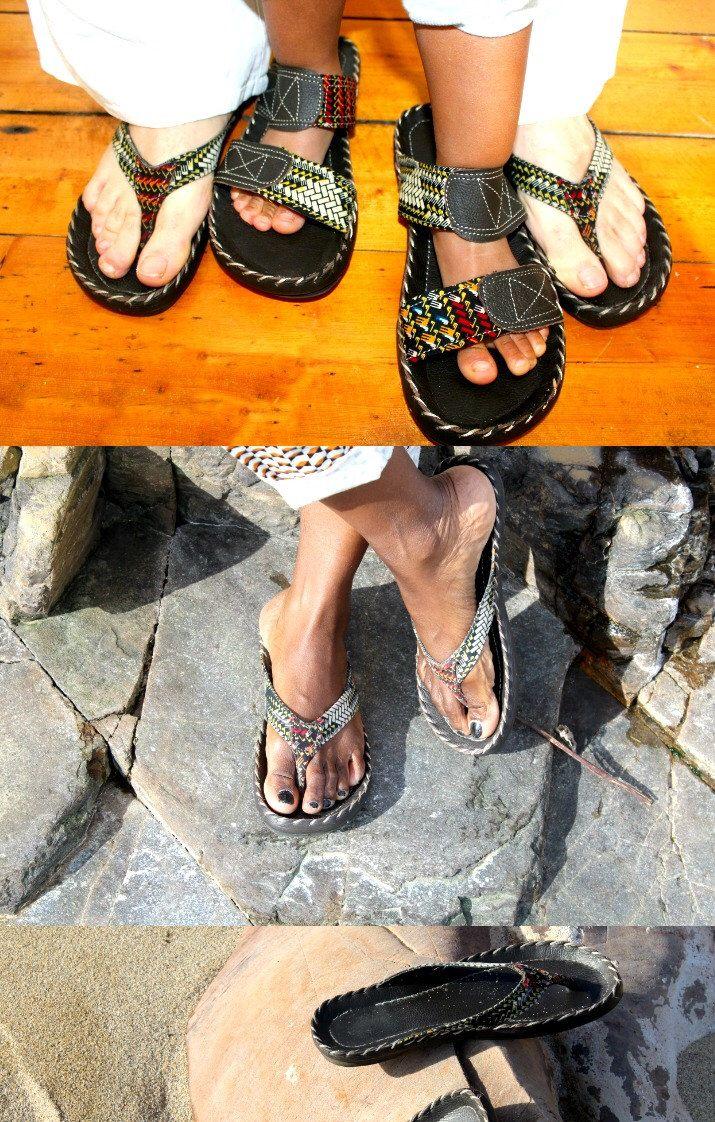 Pies anchos sandalias para pies planos, sandalias con lazo del dedo del pie a mano personalizados a pedido de AlternateStyle en Etsy https://www.etsy.com/mx/listing/248873096/pies-anchos-sandalias-para-pies-planos