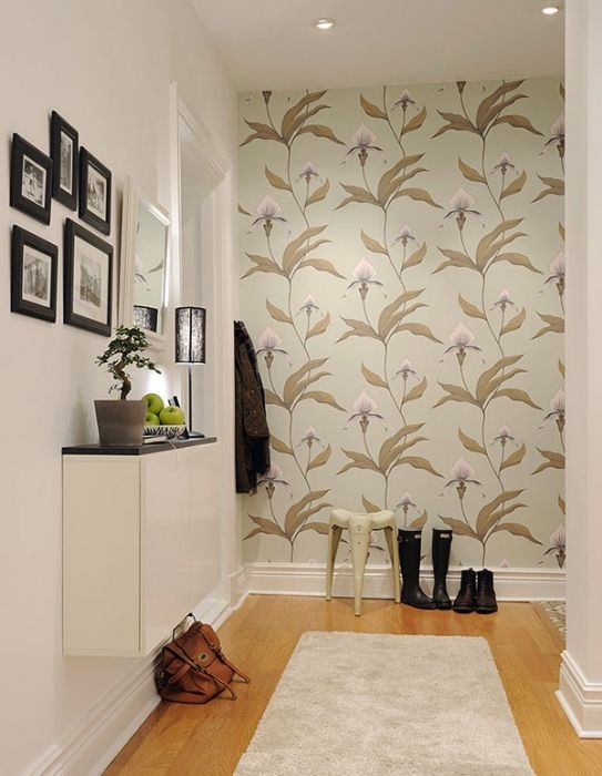 Фотография: Прихожая в стиле , Декор интерьера, Декор дома, обои на одной стене, прием одной стены, акцент одной стены – фото на InMyRoom.ru