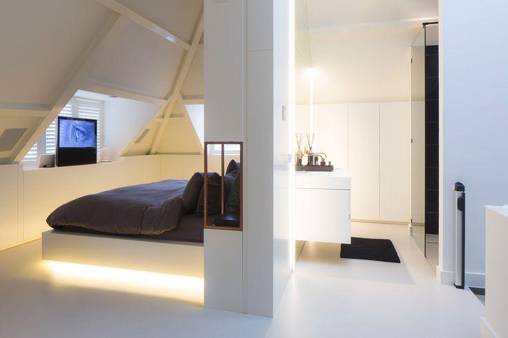 Zolderverdieping verbouwd tot master bathroom ( www.vanboven.nl)