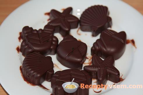 В Новый год всегда хочется много сладостей. В это время хочется что-то необычное. Домашние конфеты - быстрое и лёгкое...