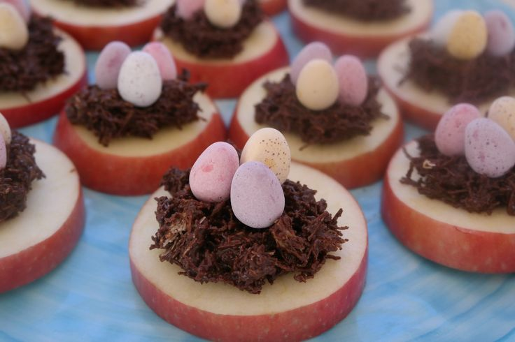 These healthier versions of Easter Nest Cakes are great fun for little ones to make at Easter. Slices of Pink Lady® Apples are used as a base instead of cupcakes. You'll need an adult to slice the Pink Lady® apples.