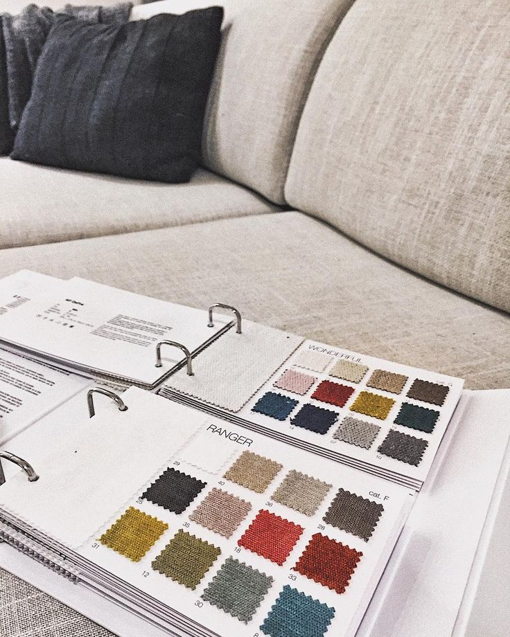 Un #divano, tanti rivestimenti tra i quali scegliere, per tipologia di tessuto e colore. Su ogni scheda prodotto del nostro sito puoi trovare tutte le finiture disponibili, oppure puoi richiederne la visione direttamente nel punto vendita più vicino a te! Scopri di più su alfdafre.it. #AlfDaFre: #MyHabitat - #design #couch #living #zonaliving #zonagiorno #fabric #leather #ecoleather #furniture #arredamento #colours