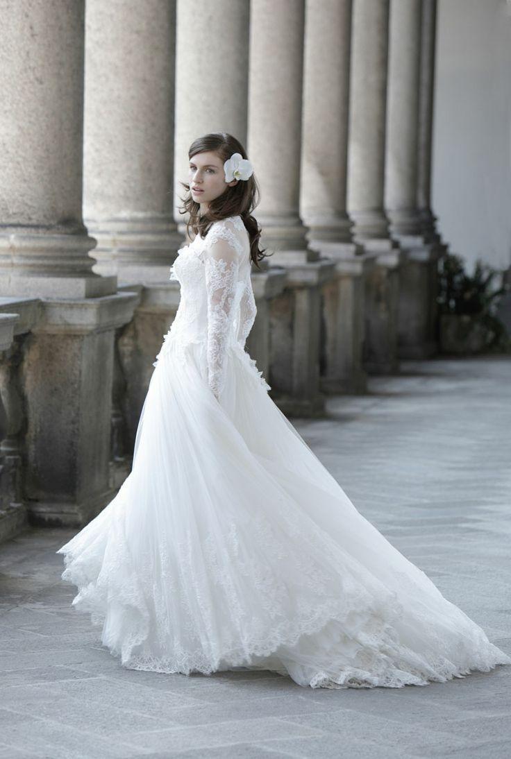 18 best Bride images on Pinterest   Short wedding gowns, Wedding ...