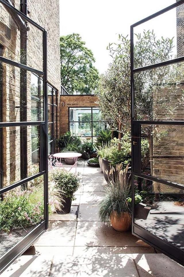 826 best outdoor courtyards images on pinterest for Small french courtyard gardens