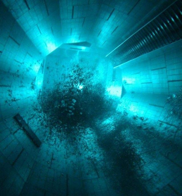 Nemo 33 world's deepest swimming pool