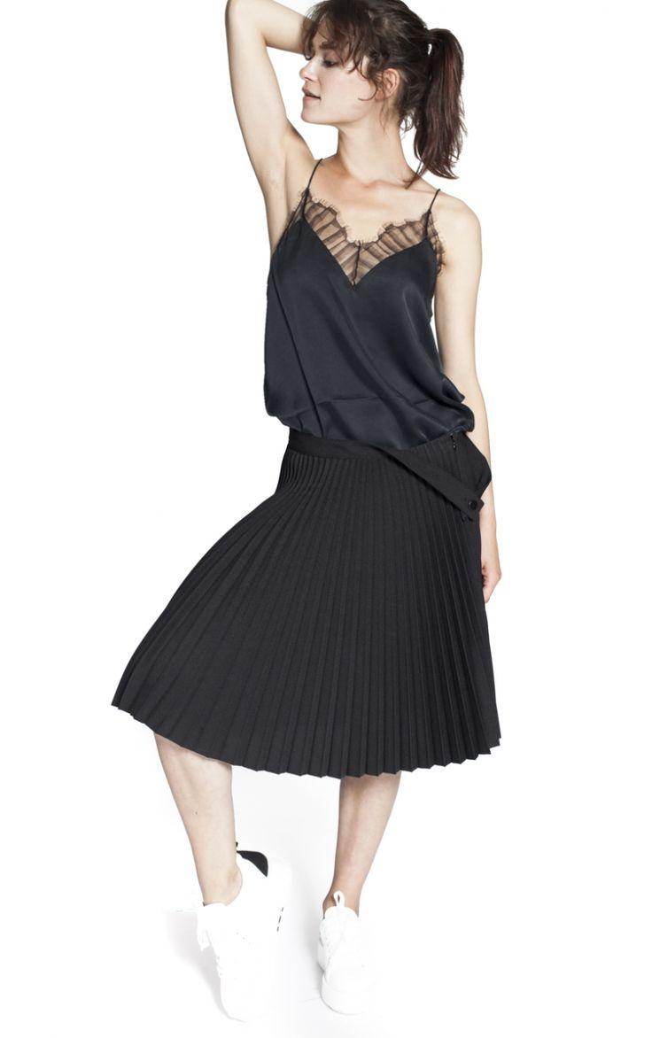 les 25 meilleures id es de la cat gorie jupe pliss e noire sur pinterest jupe pliss e jupes. Black Bedroom Furniture Sets. Home Design Ideas