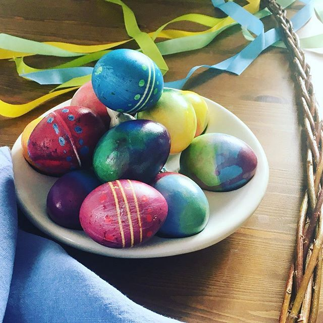 Veselé Velikonoce všem! Happy Easter to everyone!  #veselevelikonoce #barevné #české #lněné