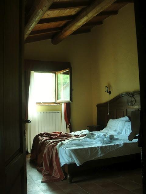 Villa life La Casella, Umbria Www.stylemindchic.blogspot.com Stylemindchic