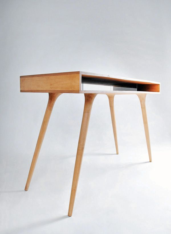 solid wood desk by designer Shpelyk Roman