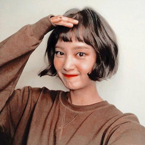Cute and Chic Ways to Have Short Hair with Bangs - Love this Hair #shortbobwithbangs