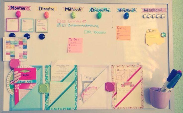 Pinnwand:  – Stundenplan – Hausaufgaben – Magnet-Notizblöcke – To-Do-Liste – Post-it Zettel – Kalender – magnetische Box – Fächer für Notizzettel