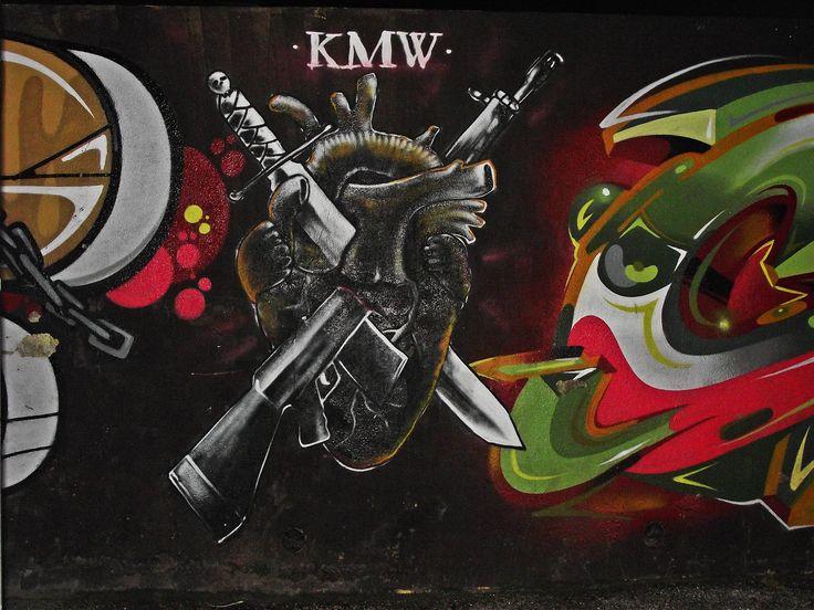 Mural 25 de Abril Loures  Crew -Round1  Props:QUE?       Glam