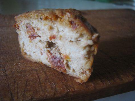 Recept na veganský pečený sýr z kešu. Nerozpouští se, použít se dá spíš samostatně jako delikatesa, jako součást ozdobného talíře, případně na chleba.