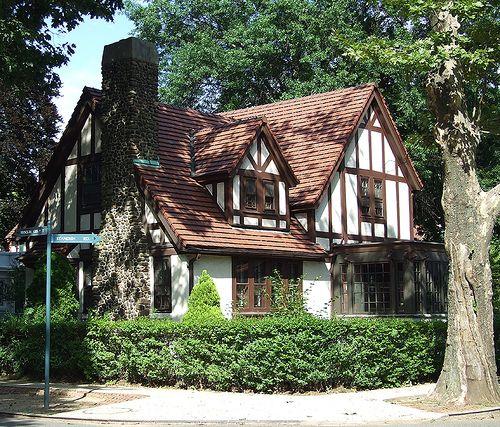 219 best tudor home images on pinterest kitchen ideas for Tutor house