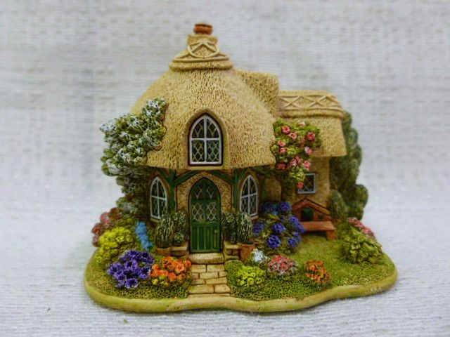 Lilliput Lane Emerald Cottage 2003 The British Collection L2652