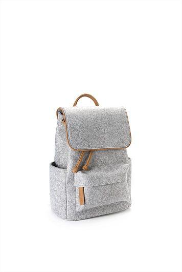 thecatspyjamasclub / felt backpack