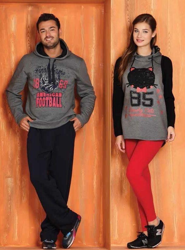 Kapşonlu Erkek Eşofman Takımı  Kapşonlu Bayan Tayt Takımı http://www.pijama.com.tr/Kapsonlu-Tayt-Takimi-9044_10077.html#0 Ürün kırmızı tayt , uzun kol siyah t-shirt ve füme kapşonlu yelekten oluşmaktadır.  Tuğse 2014-2015 kış sezonu pijama takımı koleksiyonu http://www.pijama.com.tr/pijama-takimi/Tugse/7-89
