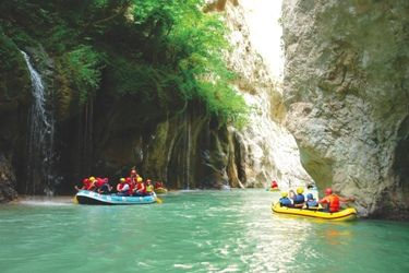 Visit Greece | Top Rafting destinations in Greece, #Arachtos #river #Evrytania #sports #watersports #Tzoumerka #rafting #spring #autumn