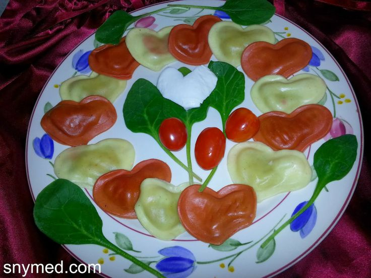 Heart-shaped ravioli Valentine's Day lunch or dinner recipe!  Do you love hearts? http://www.snymed.com/2014/01/valentines-day-heart-shaped-ravioli.html