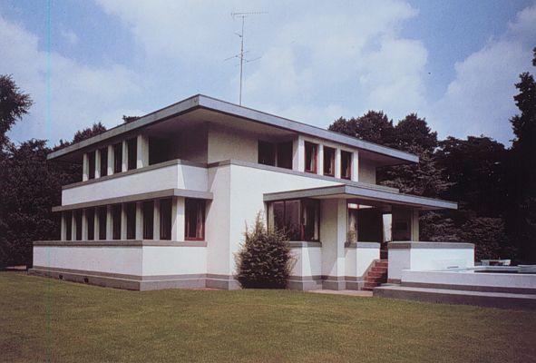 Chapter 23 De Stijl: Henny House, Robert Van't Hoff, 1916, The Netherlands