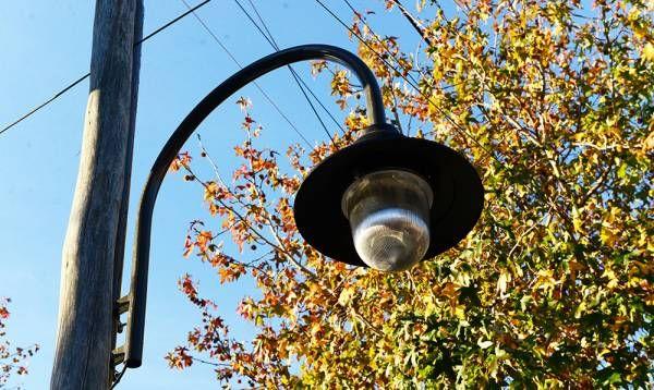El Municipio instala nuevas luminarias en San Fernando