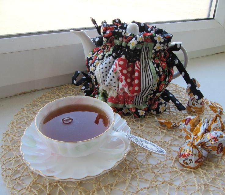 Patchwork coat for teapot