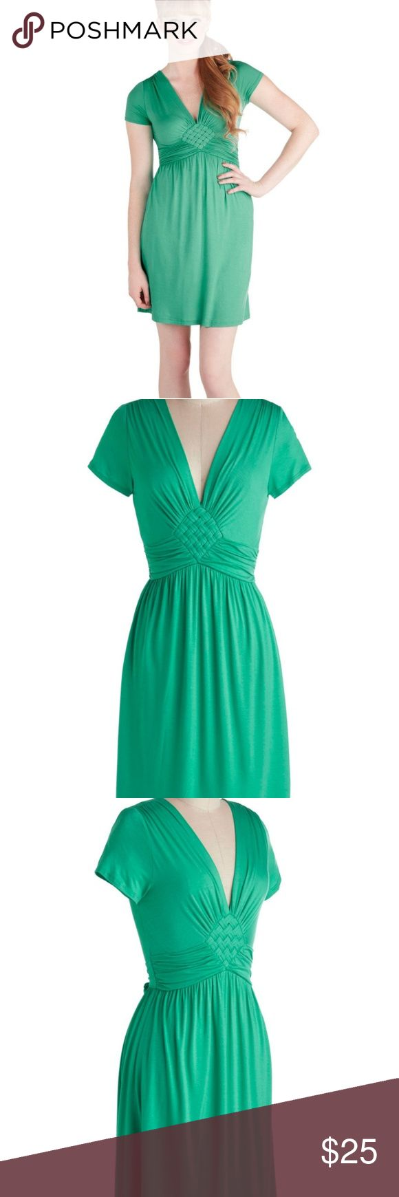 Modcloth Kelly Green Dress ModCloth kelly green dress worn twice. Great everyday dress but you can also Dress It Up with jewelry and a hat or with a cardigan and booties. Few spots on the bottom of dress. I can post pictures if needed. They are not that noticeable. Modcloth Dresses