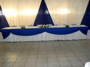 Decoration de mariage bleu roi et jaune
