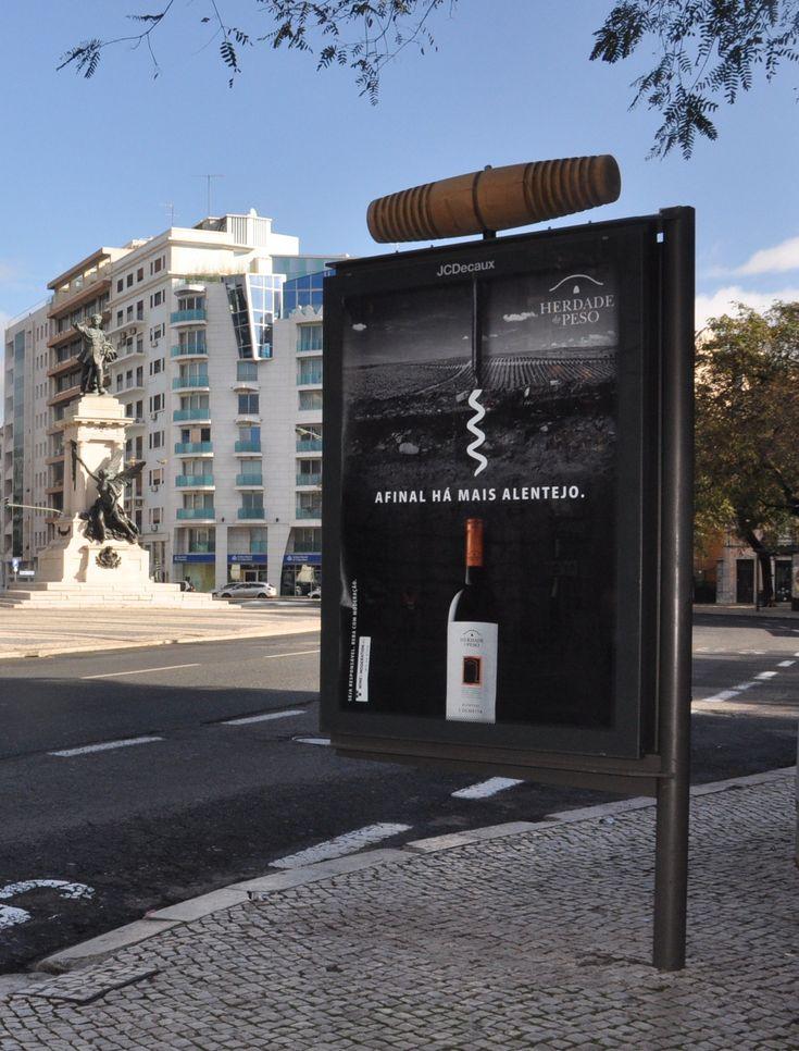 """""""Afinal há mais Alentejo"""" nos mupis da JCDecaux ; Lisboa ; Sogrape vinhos"""