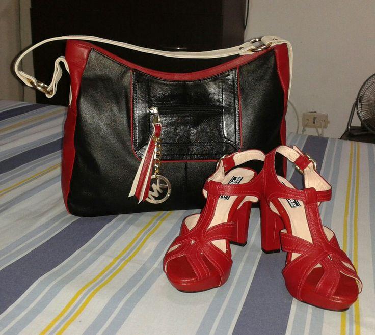 Juego de zapatos y Bolso en cuero