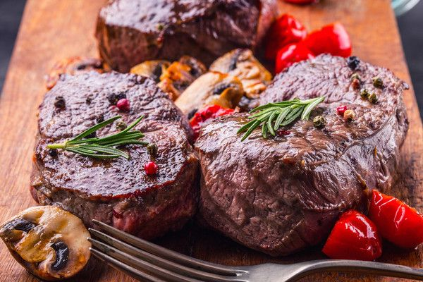 #Tenderloin #Filet Share: 10lbs of luxury. One of our most exquisite shares includes 13 mouth-watering steaks ready to be broiled, grilled,sauteed, and devoured. 2, 8oz#Tenderloin Filets 2, 16oz #Ribeye Steaks 3, 8oz Top #Sirloin #Steaks 6, 8oz Round Steaks 3lbs Single-Animal Ground Beef 8 shares available, 10.5lbs/share